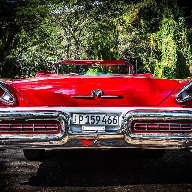 #Cuba #havanna #habana #classiccar #oldtimer #streetphotography #cubanlife #mercury