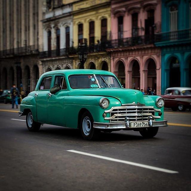 #cuba #habana #havanna #classiccar #oldtimer #cubanlife #streetphotography